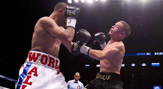 mon-night-boxing-03-100113.jpg